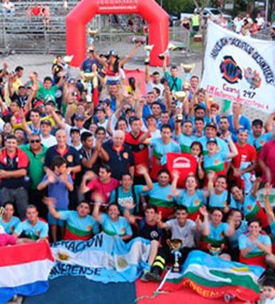 """Los equipos """"Reacción en Cadena"""" y """"Decimoctava Vitacura"""" participaron en el IV Desafío de Habilidades Bomberiles en Argentina"""