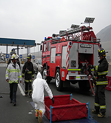 Bomberos se capacitan para emergencias relacionadas al transporte de Ácido Sulfúrico